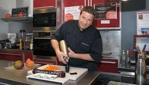 cours de cuisine avec un grand chef étoilé les cours de cuisine de philippe lechat aux halles paul bocuse lyon