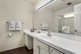 Mountain View Caltrain Bathroom by Apartment Eaves Mountain View At Middlefield Ca Booking Com