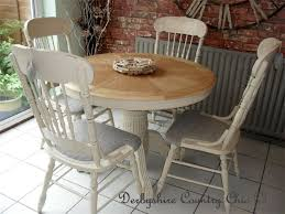Gorgeous Country Cottage Round Extending To Oval American Oak Table And 4 Carved Colonial