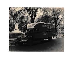 100 Diamond Truck International Photograph Company Montreal