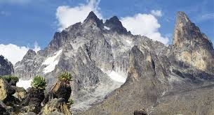 Things Not To Miss In Kenya Mount Many Climbers Consider Africas Second Highest Peak A Tougher Test Than Kilimanjaro Its Certainly Less Of
