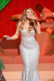 Rockefeller Christmas Tree Lighting Mariah Carey by Mariah Carey Overdoes It At Beacon Theatre Show Review Ny Daily