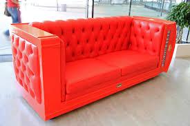 canapé cuir qui colle comment bien entretenir un canapé en cuir