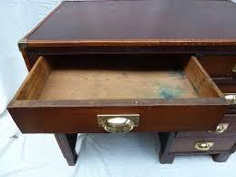 bureau en cuir bureau cuir madebymed fauteuil restauration traditionnelle
