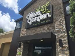 Young diners fueling Olive Garden eback