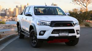 2017 Toyota HiLux TRD Review - Chasing Cars