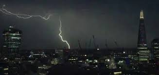 Video Spectacular Lightning Storm Hits London