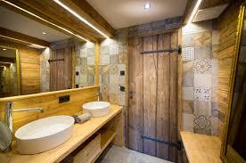 rustikal modernes badezimmer im luxus chalet luxus chalet