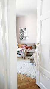 bayrisch bunt wohnzimmer einrichten hund münch