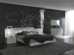 chambre avec lit noir awesome deco chambre mur noir images design trends 2017