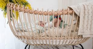 trendwatch die schönsten babybetten aus rattan auf