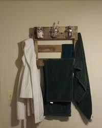 DIY Pallet Towel Rack Wall Hanging