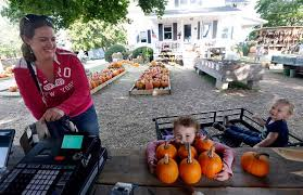 Pumpkin Patch Toledo Ohio by October Sets The Stage For Finding A Perfect Pumpkin The Blade