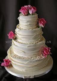 Wedding Cake White Chocolate Wrap & Fresh Roses