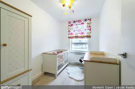 lumiere chambre enfant quel éclairage dans la chambre de bébé le mag bebe