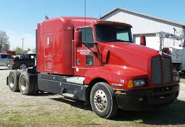 100 Salvage Truck Auction 2000 Kenworth T600 Semi Truck Item K7995 SOLD May 19 Tr