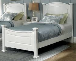 American Hamilton Franklin Twin Panel Bed in Snow White