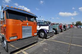 100 Show Semi Trucks 300 Pull Together For Areas Largest Fundraiser