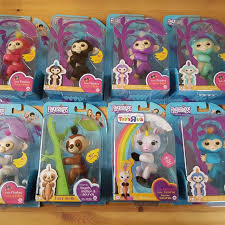 Fingerlings Authentic Wowwee Lot Gigi Toys R Us Sloth Walmart Mastermind