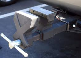 100 Hitch Truck KCHEXXTREME Tow 6 Bench Vise Fits 2 Receiver