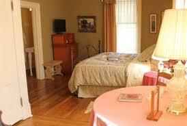 Whispering Pines Bed and Breakfast in Historic Nebraska City