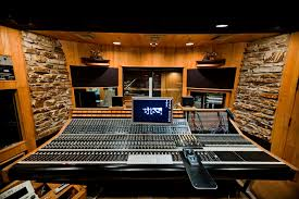 How To Select A Right Music Recording Studio
