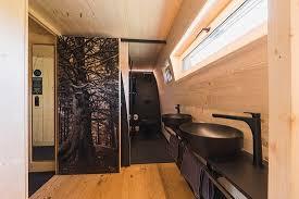 wohnraum mit küche und balkon im luxuschalet picture of