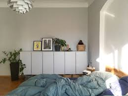 farbfreude hellgrau in verenas schlafzimmer i kolorat