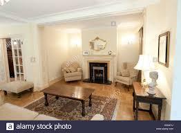 traditionelle englische country haus wohnzimmer kamin