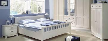 schlafzimmer landhausstil weiss