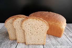 vollkorn toastbrot als weizentoast mit vollkornmehl brotwein