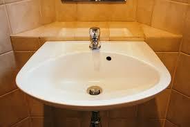 die geschichte eines waschbeckens brina blum