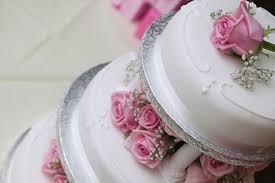 deco gateau en pate a sucre combien de pâte à sucre pour couvrir un gâteau cerfdellier le