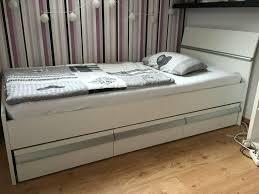 jugend schlafzimmer bett und kleiderschrank