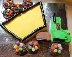 David's Dump Truck Cake. Step By Step Pictures. Super Easy To Do ... Dump Truck Smash Cake Cakecentralcom Under Cstruction Cake Sj 2nd Birthday Pinterest Birthdays 10 Garbage Cakes For Boys Photo Truck Smash Heathers Studio Cupcake Monster Cupcakes Trucks Accsories Cakes Crumbs Cakery Cafe Fernie Bc Marvelous Template Also Fire Pan Nico Boy Mama Teacher In Cup Ny Two It Yourself Diy 3 Steps Bake