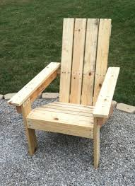 DIY Adirondack Pallet Wood Chairs for $2 30