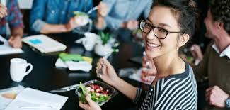 livraison repas au bureau comment manger sainement au bureau grâce à la livraison de repas