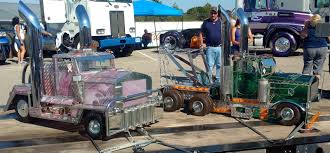 Just A Car Guy: Stained Glass Semi's At The Richard Crane Memorial ... Ice Cream Truck For Sale Tampa Bay Food Trucks Tow Saledodge5500 Slt 19ft Chevronsacramento Canew 1970 Chevrolet C10 For Hemmings Motor News 2018 Ford F150 Stx 4x4 In Pauls Valley Ok Jke29620 Information Fedex Save Now With Specials In Beaumont Tx Back Glass Parts Custom Bodies Unruh Fab Equipment Ryan Buffalo Minneapolis St Cloud And Plymouth Freightliner Western Star Dealership Tag Center Supertrucks