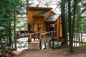 100 Tree Houses With Hot Tubs 10 Cozy Cabins For Rent In Vermont Winter Getaways New England Today