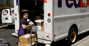 FedEx CMO Dismisses Amazon's New Delivery Service