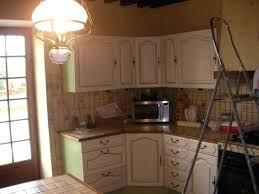 comment repeindre une cuisine en bois peindre une cuisine en bois cuisine en massif cuisine en