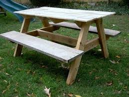 Build A Picnic Table Out Of Pallets by The 25 Best Pallet Picnic Tables Ideas On Pinterest Picnic
