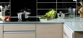 plan de travail cuisine en verre plan de travail en verre trempé sur mesure verre solutions