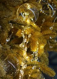 Download Free Image Glass Beads And A Garland Of Lights On The Christmas Tree In HD Wallpaper Size 1920px