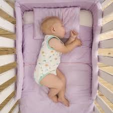 comment mettre un tour de lit bebe lit de bébé comment bien le choisir magicmaman