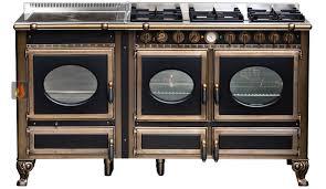 cuisiner au gaz ou à l électricité piano de cuisson bois gaz et électrique 160cm avec 2 fours et