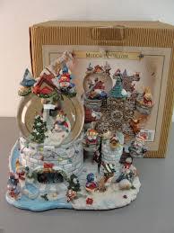 Frosty Snowman Christmas Tree by Grandeur Noel Musical Snow Water Globe 2000 Frosty The Snowman