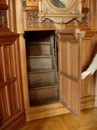 la chambre secrete secret door leads to a secret staircase cool the secret passage