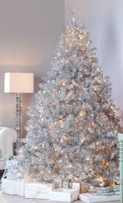 6 Ft Flocked Christmas Tree Uk by 37 Awesome Silver And White Christmas Tree Decorating Ideas
