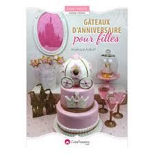 livre pate a sucre cake design pâte à sucre livres cake design livre cake